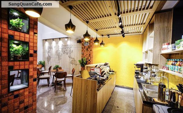 Sang quán Cafe cơm văn khu ttrung tâm