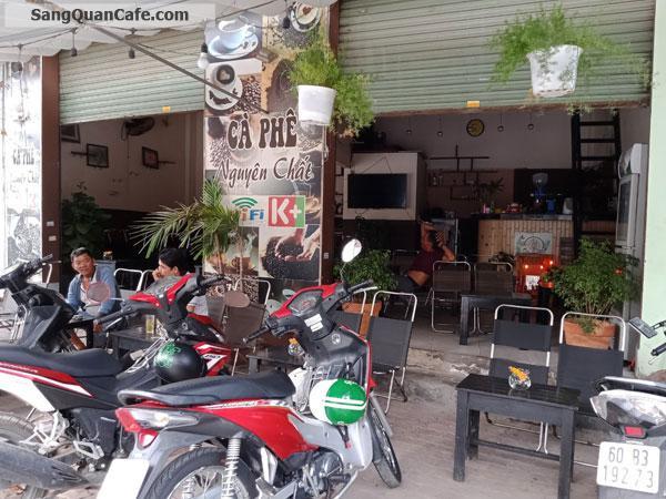 Sang quán cafe điểm tâm sáng góc ngã tư