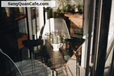 Sang quán cafe đường Nguyễn Huệ