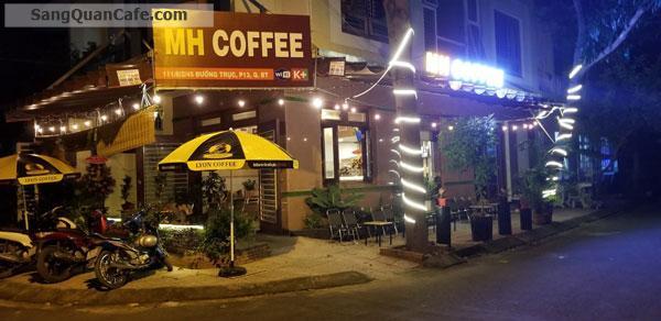 Sang quán cafe gần nhiều trường, có vỉa hè rộng
