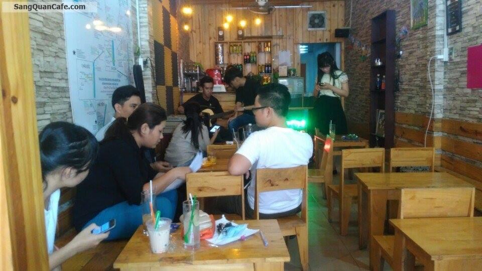 Sang quán cafe ghế gỗ đường Lê Hoàng Phái