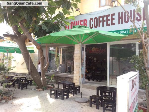 Sang quán Cafe Ghế Gỗ giá rẻ quận 2