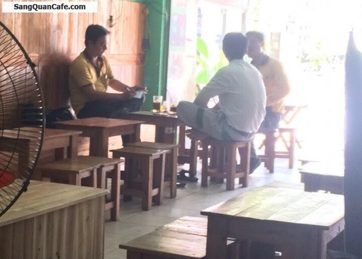 Sang quán cafe ghế gỗ nhac Acoustic đối diện trường đại học