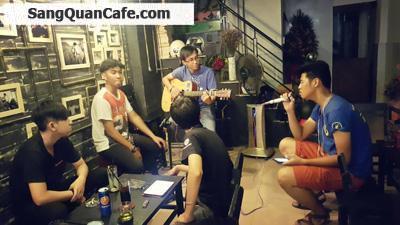 Sang quán cafe ghế nhạc Acoustic sát 3 ngân hàng
