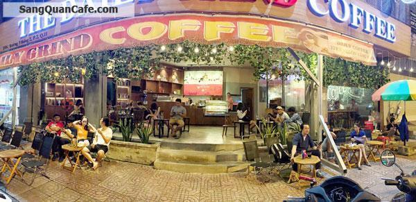 Sang Quán Cafe góc 2 mặt tiền Quận 11