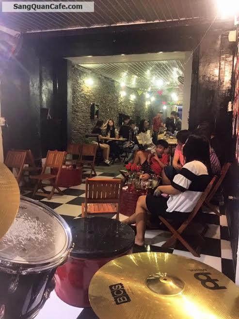 Sang quán cafe hát với nhau karaoke