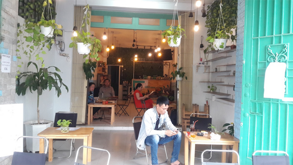 Sang quán Cafe mặt tiền Cao Lỗ, vỉa hè rộng, thiết kế đẹp