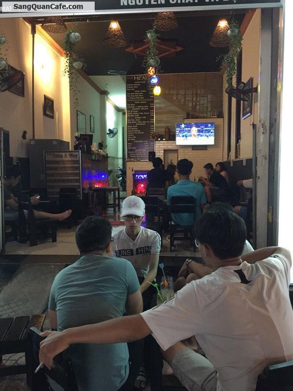 Sang quán cafe mặt tiền đông người qua lại