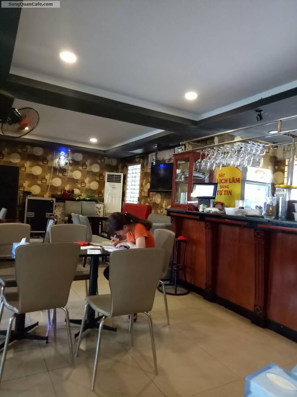 Sang quán cafe Mặt Tiền Mạc Đỉnh Chi, quận 1
