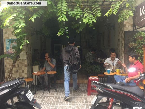 Sang quán cafe nằm gần ngã 3 Hoà Hiệp
