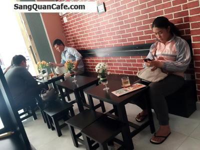 Sang quán cafe ngay khu ăn uống quận Phú Nhuận