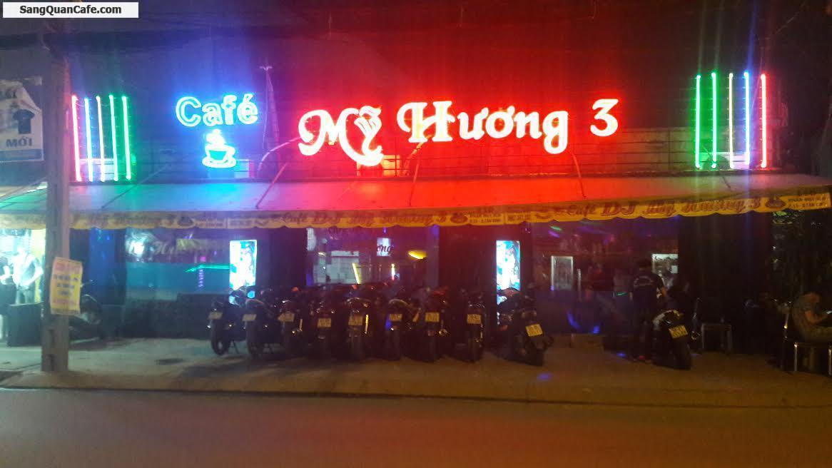 Sang quán cafe nhạc trẻ DJ đang hoạt động tốt