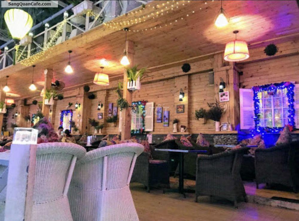 Sang quán Cafe Nhật Nguyệt Garden quận 8