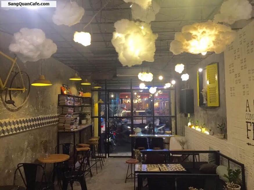 Sang quán cafe phong cách Ý trung tâm quận 1