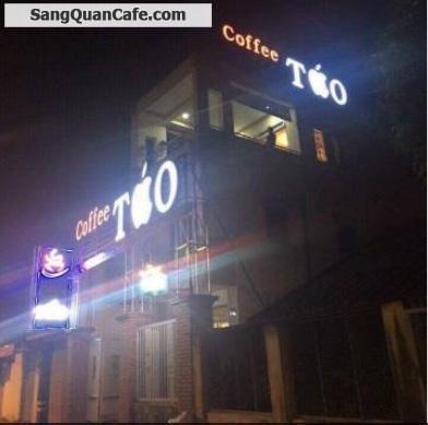 Sang quán cafe sân thượng, máy lạnh ngoài trời