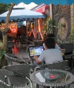 Sang Quán Cafe Sân Vườn quận. Bình Thạnh