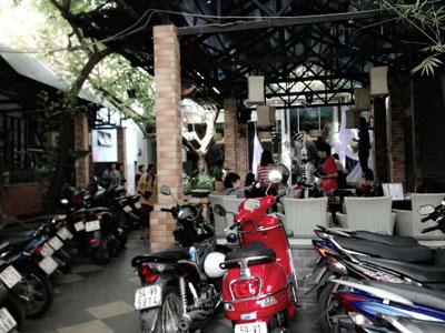 Sang quán cafe sân vườn máy lạnh 623 Nguyễn Kiệm, P.3 , Gò Vấp