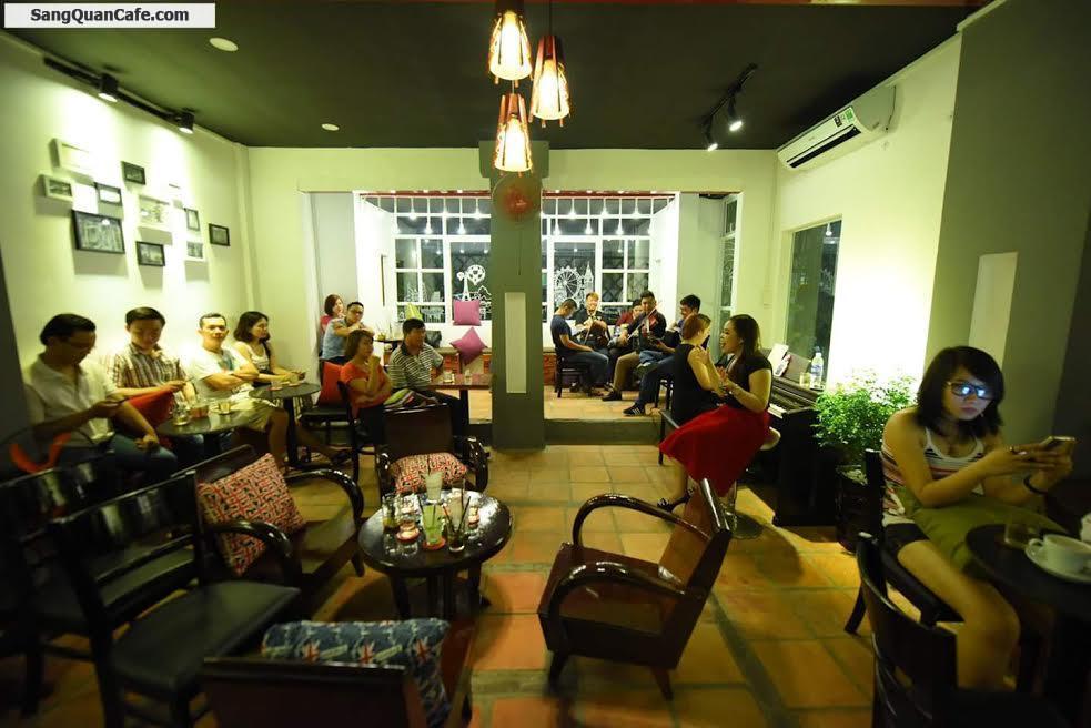 Sang quán cafe sân vườn máy lạnh, hát với nhau sân thượng