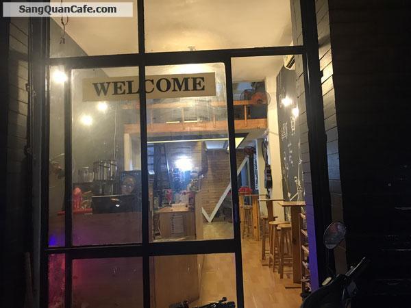 Sang quán cafe trà sữa đường Nguyễn Ái Quốc