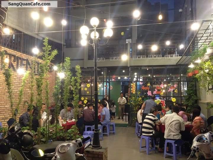 Sang quán cafe trong khu sân bay