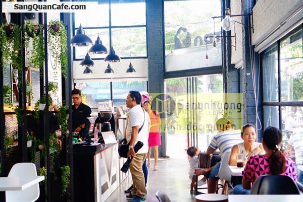 Sang quán cafe Ý 2 mặt tiền Quận 4
