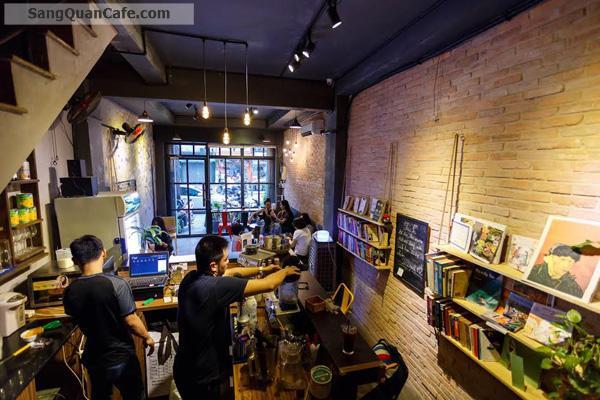 Sang quán Connect Coffee ngay ngã tư Hàng Xan