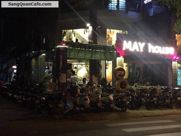 Sang quán đang kinh doanh cafe và cơm văn phòng.