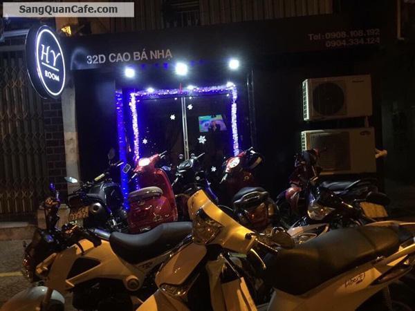 Sang quán máy lạnh mặt tiền quận Tân Phú